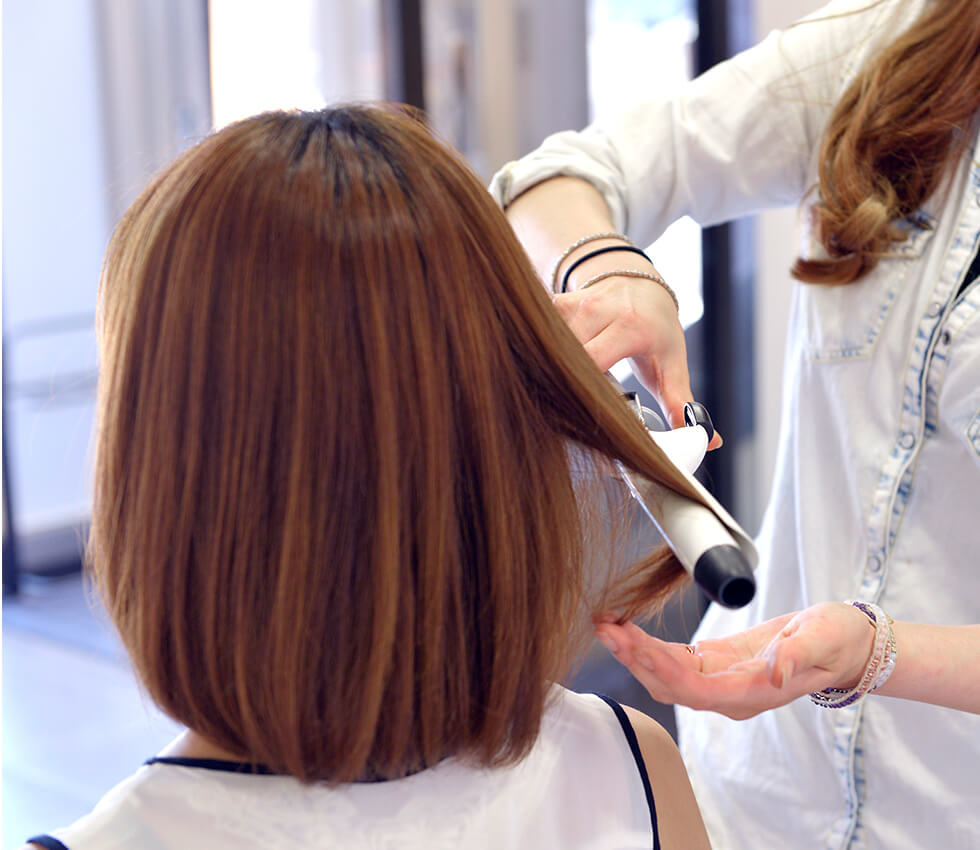 TVCM、ファッションショー、ブライダルヘアメイクも手掛けるアーティストによるヘアメイクがセットで受けられる!
